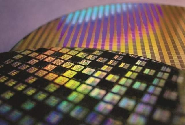 How did South Korea become a global memory chip brother?